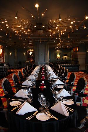Van Herwaarde Lounge, Diner