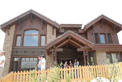 JacksonHole Retreat - 原乡美丽坚 JacksonHole Retreat - 原乡美丽坚 - June 19-20, 2010 - Mr. Li Li's Mansion