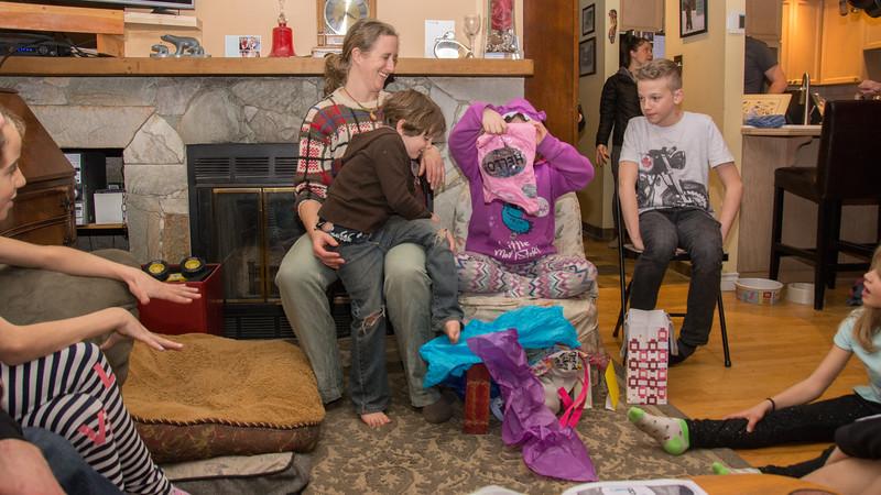 Castlegar visitors 15 (Tindra Birthday)