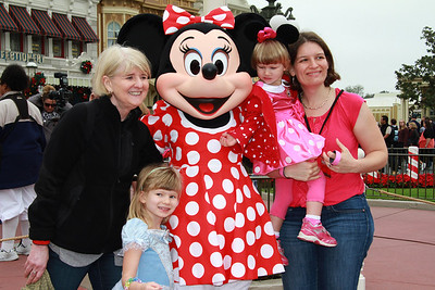 Disney World in November with Naomi and Tova