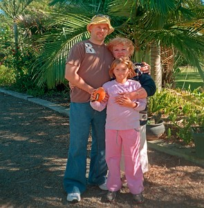 Craig Harris with his daughter Cassidy and Barbara (mother)