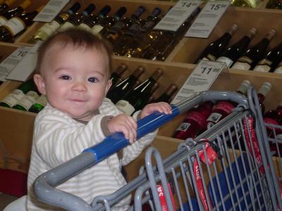 look everyone! i'm shopping at Sam's!