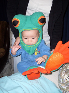 Uncle Travis got me a frog costume for Halloween!
