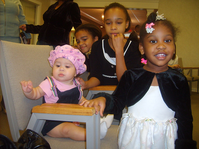 2007-8-30 Kyra and Jada