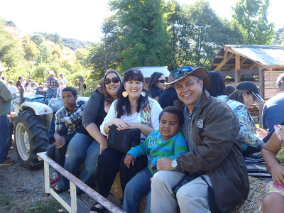 The family on the hay ride.