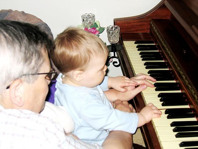 FIRST PIANO LESSON JULY 10 2005