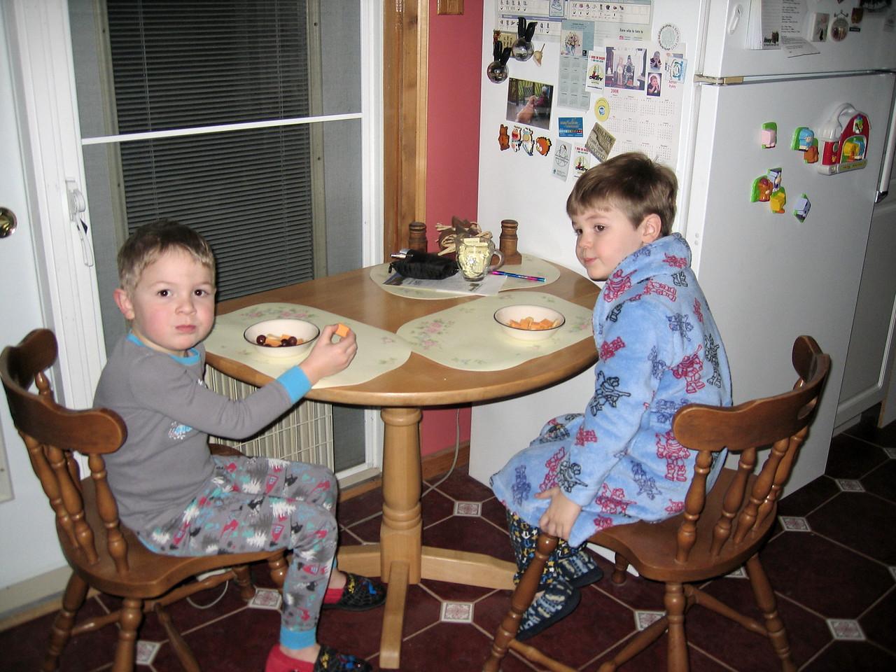 BEDTIME SNACKS.... FRUITS & CHEEZE