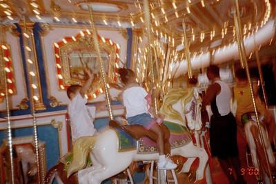 2000-7-9 Merry-go-round 50543_22