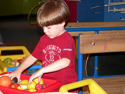 2008 Tyler Visits the McWane Center