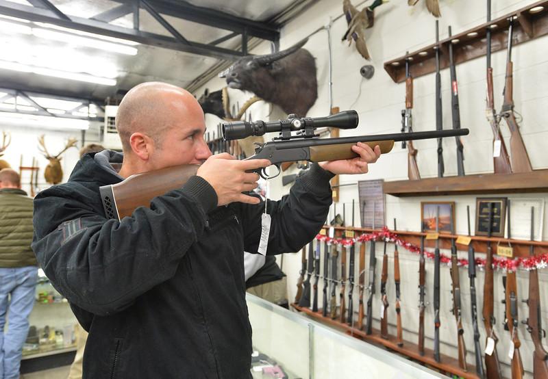 guns18