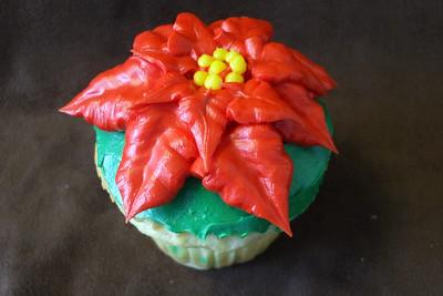 Poinsetta Cupcake