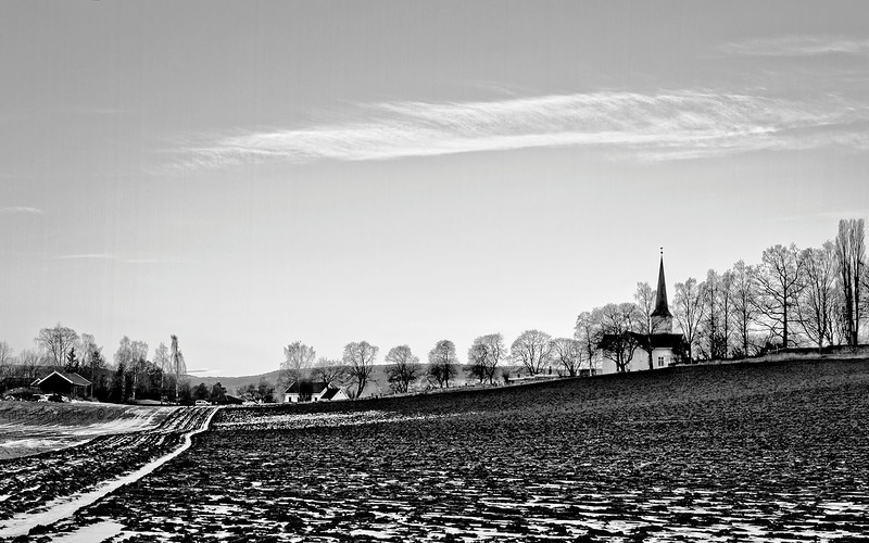 Seinvinterkveld ved Nes kirke.<br /> Winter farewell.