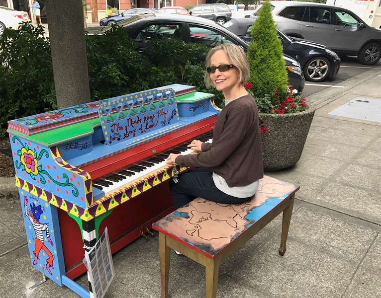 Carol entertains the crowd in downtown Everett, Washington.