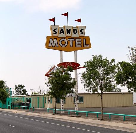 Sands Motel sign along Route 66 (2018)