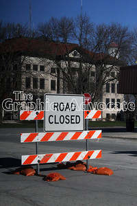 Road closure signs popped up around the Calhoun County courthouse square Monday morning, as the city begins a months-long infrastructure project. The first phase will focus on Fourth and Main streets and is expected to last through June. Then, work begins on Fifth and Court streets. GRAPHIC/ADVOCATE PHOTO/ERIN SOMMERS