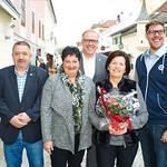 Zum 75. Geburtstag von Heidemarie Hörhager gratulierten Gemeinderat Andreas Lechner (v. l.), Ursula Fischlmair, Bürgermeister Thomas Widrich und Gemeinderat Simon Widrich.
