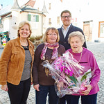 Zum 90. Geburtstag von Franziska Kerschbaumer gratulierten im Jänner Gemeinderätin Beatrix Leeb (v. l.), Ingrid Weissenböck und Gemeinderat Simon Widrich. Foto: Stadt Melk / Gleiß