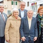 Zum 85. Geburtstag von Ferdinand Kopatz gratulierten im März Gemeinderat Helmut Grünberger (v. l.), Gattin Maria Kopatz, Bürgermeister Thomas Widrich und Gemeinderätin Heidegund Niederer.<br /> Fotocredit: Stadt Melk / Gleiß