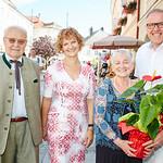 Zum 85. Geburtstag von Herta Freiberger gratulierten im August die Gemeinderäte Franz Ofner und Heidegund Niederer sowie Bürgermeister Thomas Widrich.<br /> Foto: Stadt Melk / Gleiß