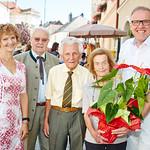 Zum 85. Geburtstag von Gisela Eder gratulierten im August die Gemeinderäte Heidegund Niederer und Franz Ofner, Gatte Hans Eder sowie Bürgermeister Thomas Widrich.<br /> Foto: Stadt Melk / Gleiß