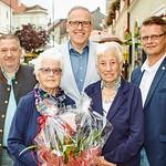 Zum 90. Geburtstag von Gertrud Maria Anna Lutz gratulierten Gemeinderat Andreas Lechner, Bürgermeister Thomas Widrich, Herta Hubmaier und Stadtrat Jürgen Eder.<br /> Foto: Stadt Melk / Gleiß