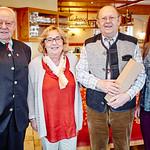 Zum 80. Geburtstag von Josef Schneider gratulierten Gemeinderat Franz Ofner (v. l.), Gattin Brigitte Schneider und Gemeinderätin Bettina Schneck. <br /> Foto: Stadt Melk / Franz Gleiß