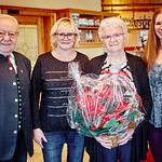 Zum 85. Geburtstag von Franziska Widder gratulierten Gemeinderat Franz Ofner (v. l.), Tochter Margit Falkensteiner und Gemeinderätin Bettina Schneck. <br /> Foto: Stadt Melk / Franz Gleiß