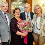 Zur Goldenen Hochzeit von Brigitte und Walter Plutsch gratulierten die Gemeinderäte Helmut Grünberger und Beatrix Leeb. <br /> Foto: Stadt Melk / Gleiß