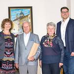 Zum 75. Geburtstag von Engelbert Thir gratulierten im Mai Gemeinderätin Heidegund Niederer (v. l.), Gattin Annemarie Thir und Gemeinderat Simon Widrich. <br /> Foto: Nimo Zimmerhackl