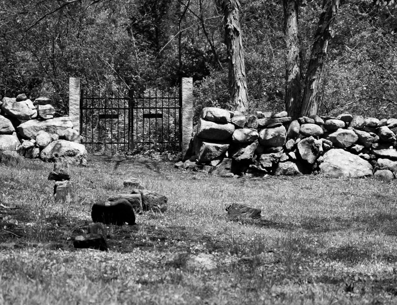 Ordione Point Cemetery - could be NH's oldest, dating from the early 1600s. Many stones are rough and uncut.  It's a beautiful location.  OM 65-200mm manual zoom.