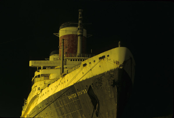 S.S. United States<br /> <br /> Statistics<br /> <br /> Built Newport News Shipbuilding and Drydock Company, Virginia, 1952.<br /> Laid Down February 8, 1950<br /> Maiden Voyage July 3, 1952<br /> <br /> Gross Tonnage 53,329 <br /> Length Overall 990 feet<br /> Width 101.6 feet<br /> Draft 31 feet<br /> Machinery Steam turbines geared to quadruple screw<br /> Speed 35 knots (maximum 38.23)<br /> Capacity 913 First, 558 Cabin, 537 Tourist