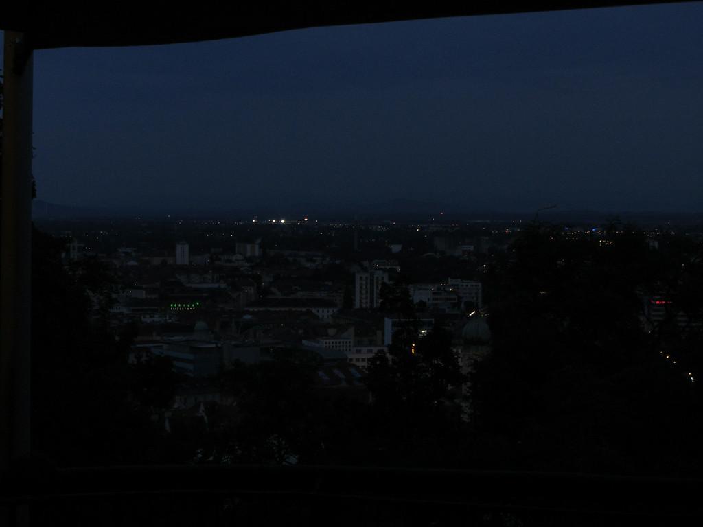 Blick vom Schlßberg nach Süden nachts