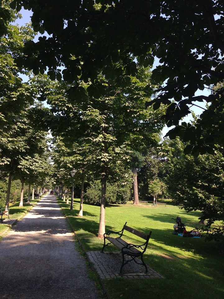 Stadtpark, Montclair-Allee