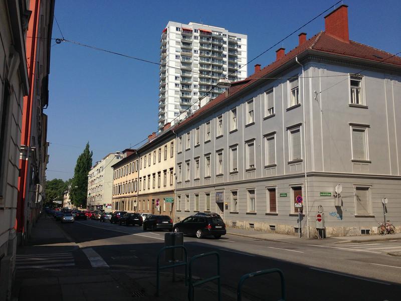 Elisabethstraße und Elisabeth-Hochhaus