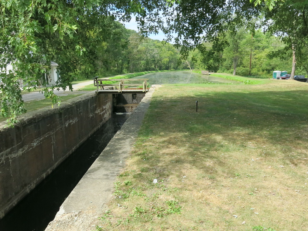Lock 70 looking at the upstream gate and the canal