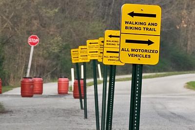 directional signs in Cedar Creek Park