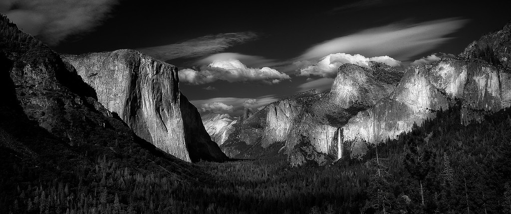Yosemite Valley; Tunnel View; Yosemite National Park; California; USA