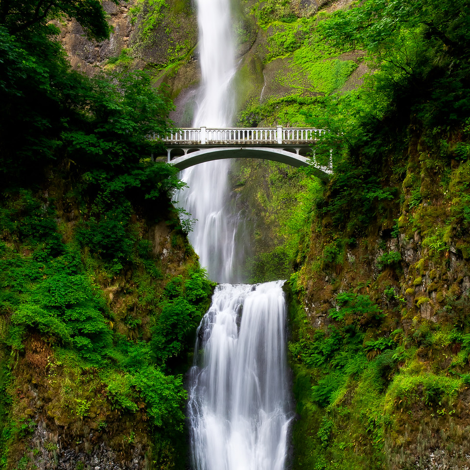 Multnomah Falls; Columbia River Gorge; Oregon; USA