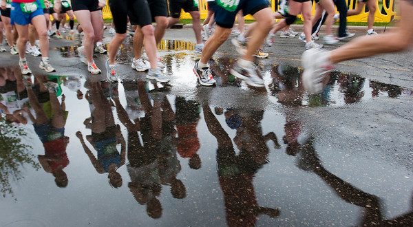 "Record-Eagle/Douglas Tesner<br /> Bayshore Marathon, 2009.  Won 1st Place in the ""Sports Picture"" category of the 2010 Michigan Press Association Better Newspapers Contest."