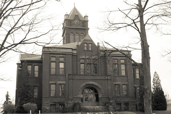 <b>Submitted By:</b> Pamella Murphy <b>From:</b> Traverse City <b>Description:</b> Old Court house in T.C.