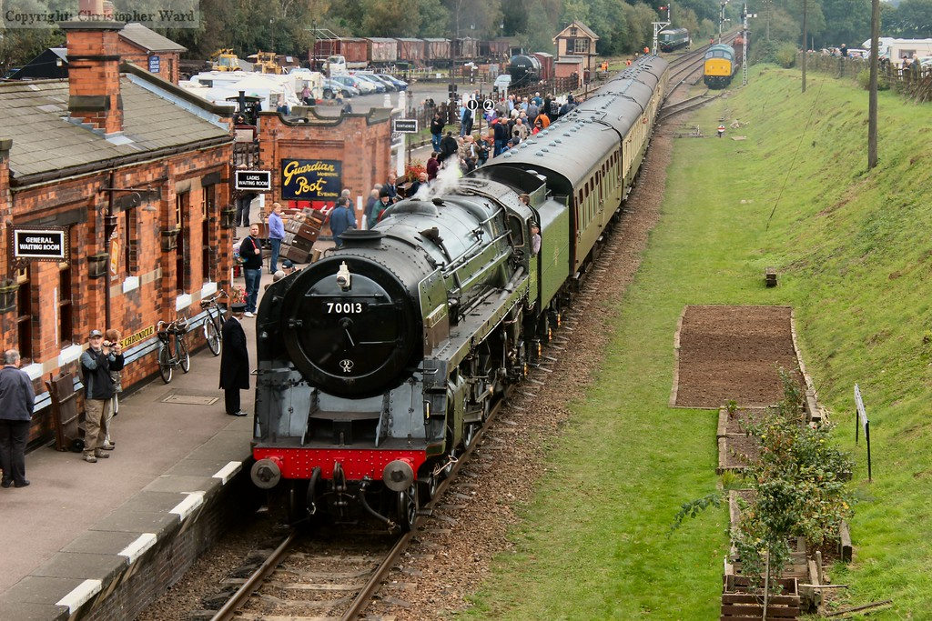 Oliver Cromwell with a working back to Loughborough calls for custom at Quorn & Woodhouse