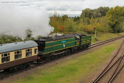 The malachite Bulleid pulls away from Quorn