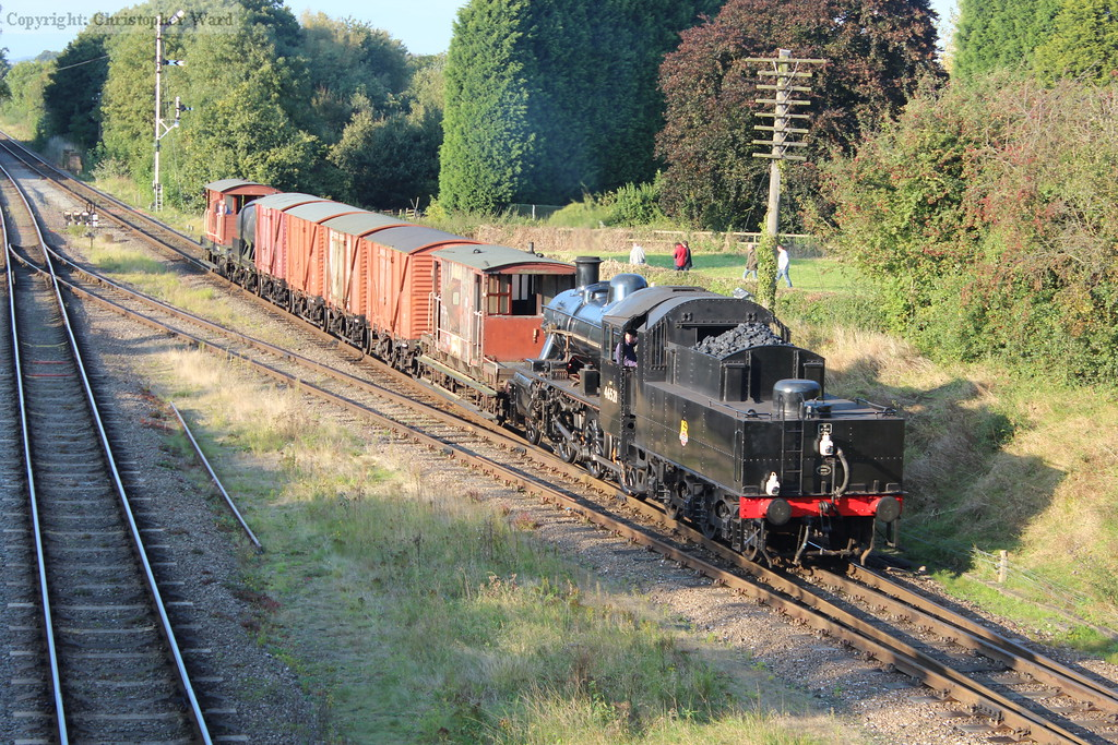 46521 approaches with a goods working