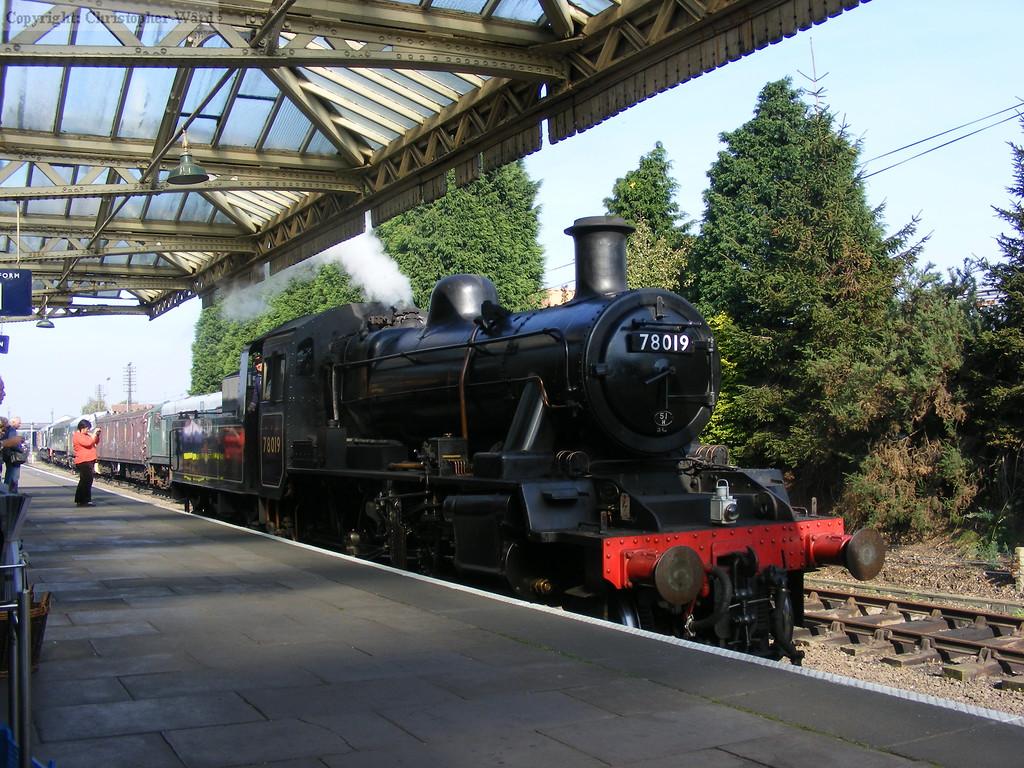 78019 shunts at Loughborough