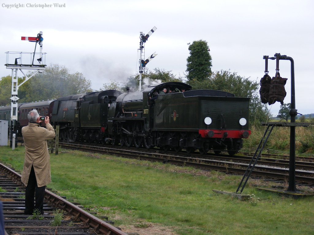 30777 and 34007 combine forces to bring some Southern flavour to north Leicestershire