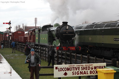 1744 runs through the station with the mixed goods