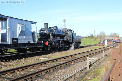 46521 scampers through Quorn with the windcutters