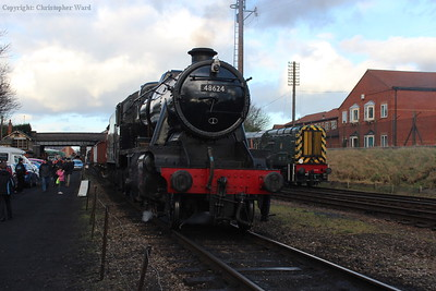 48624 prepares to take the mixed goods up the line again