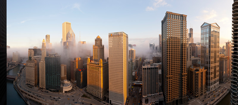 Panoramic view of the Chicago River and Downtown Chicago from Marina City