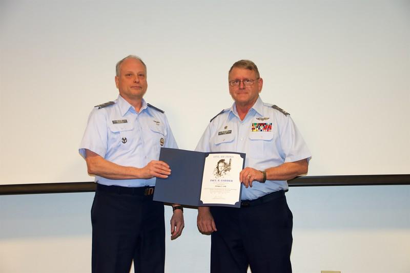 Col David Jennison presenting Capt Norman Link his Garber Award (Level IV)